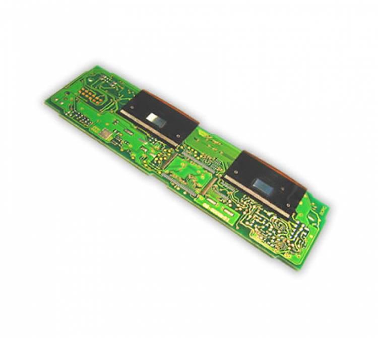 Lötung eines OLED auf einer Leiterplatte.