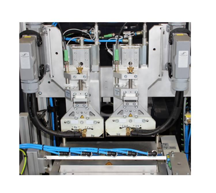 Doppelbügellötsystem mit zwei Hochleistungs-Lötbügeln.